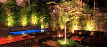 Projekty domov | Aké osvetlenie je vhodné do záhrady