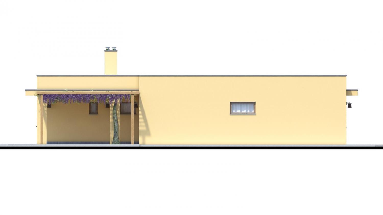 Pohľad 2. - Moderný dom v tvare L s rohovými oknami a s krytým stáním pre auto. Obytné miestnosti sú orientované do záhrady.