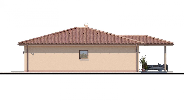 Pohľad 2. - Top projekt domu 2019 s valbovou strechou a prekrytou terasou.