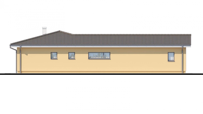 Pohľad 2. - Veľký dom do tvaru L s množstvom úložného priestoru.