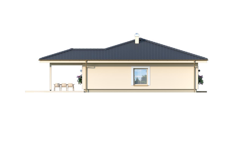 Pohľad 4. - 4-izbový bungalov s prekrytou terasou a valbovou strechou.