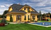 Väčší dom s obytným podkrovím