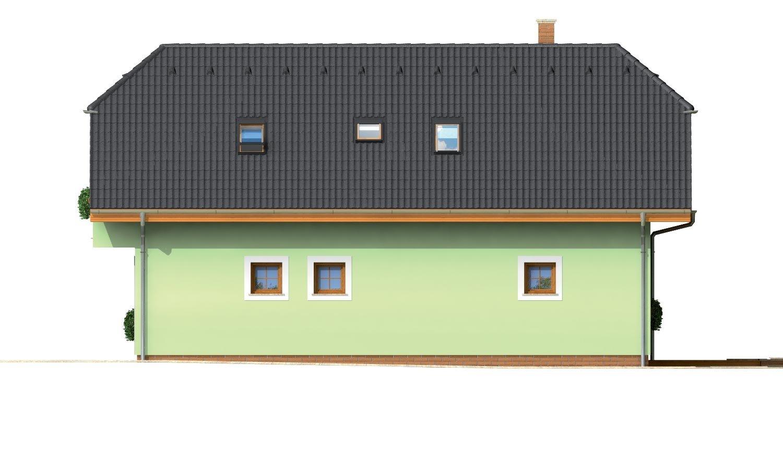 Pohľad 2. - Krásny veľký dom aj so suterénom.