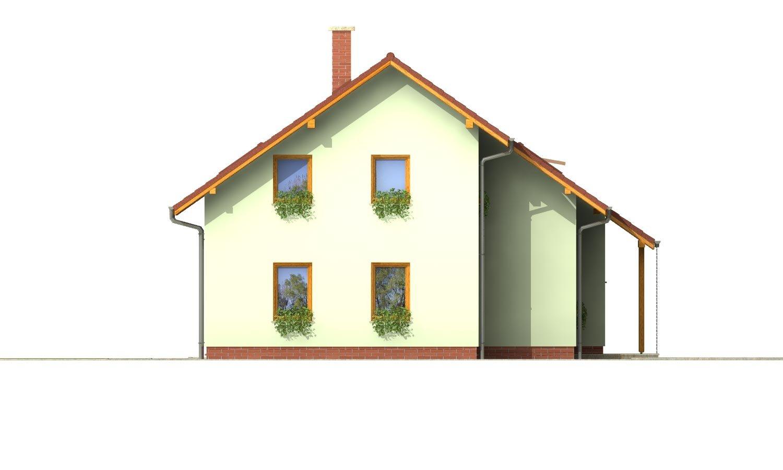 Pohľad 2. - Priestranný dom so sedlovou strechou.